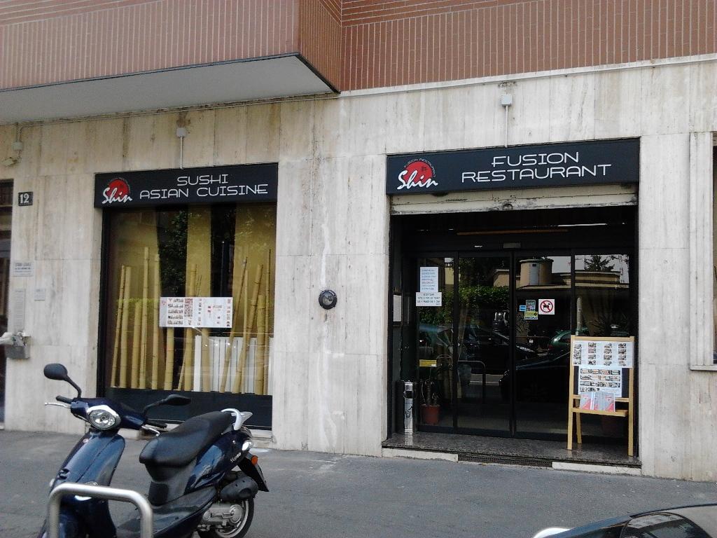 Insegne luminose a cassonetto milano insegne negozio for Insegne al neon milano